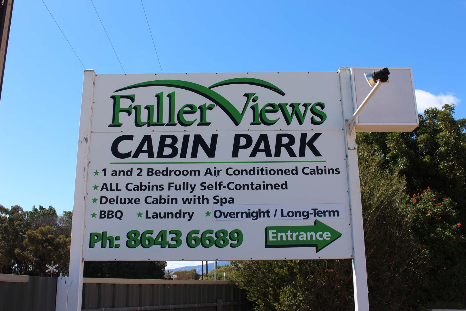 fuller-views-cabin-park-large-sign
