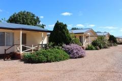 fuller-views-cabin-park-cabins-garden