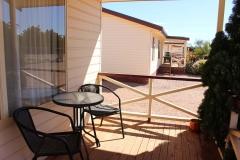 fuller-views-cabin-park-outdoor-veranda-outdoor-setting